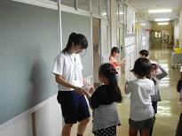 小学生との交流