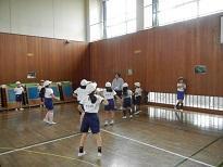 体育の授業のお手伝い