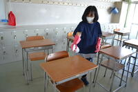 教室の机の消毒