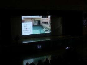 学校紹介スライドの上映
